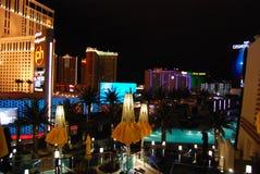 巴黎旅馆和赌博娱乐场、行星好莱坞渡假胜地和娱乐场,夜,晚上,照明设备,都市风景 图库摄影