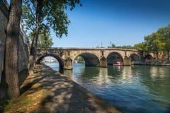 巴黎,塞纳河桥梁 免版税库存图片
