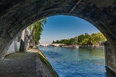 巴黎,塞纳河桥梁 库存照片