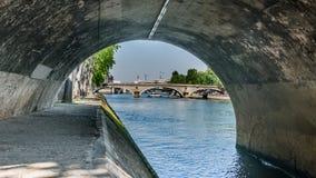 巴黎,塞纳河桥梁 库存图片