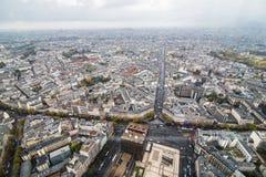巴黎,法国- 2017年11月 巴黎地区看法有埃佛尔铁塔的在距离 免版税图库摄影