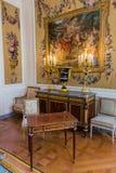 巴黎,法国- 2017年8月18日:罗浮宫内部  免版税库存照片