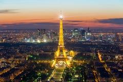 巴黎,法国- 2016年5月5日:美好的巴黎地平线视图埃菲尔 库存图片