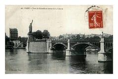 巴黎, Pont de Grenelle桥梁,塞纳河和自由女神像,法国,大约1909年, 免版税库存图片