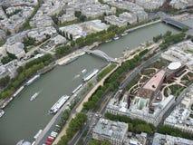巴黎passerelle debilly河围网 库存图片