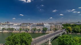 巴黎timelapse全景  从阿拉伯世界Institute Institut du Monde Arabe大厦的看法 法国 股票录像