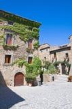 巷道。 civita di Bagnoregio。 拉齐奥。 意大利。 图库摄影