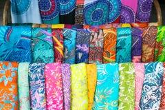 围巾在市场上 库存图片