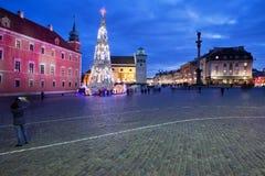 市华沙在城堡正方形的夜之前 图库摄影