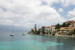 市和港在希腊海岛Kefalonia上的Fiskardo 免版税图库摄影