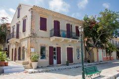 市和港在希腊海岛Kefalonia上的Fiskardo 库存图片