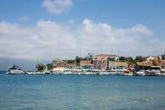 市和港在希腊海岛Kefalonia上的Fiskardo 库存照片