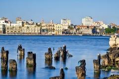市哈瓦那在以哈瓦那旧城地平线为目的古巴 免版税库存照片