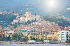 市圣雷莫,意大利,从海的看法 库存图片