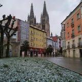 市在小雪以后的布尔戈斯西班牙 免版税库存照片