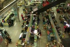 市场为技术员失去作用在一个市场上在Huaqiangbei 免版税库存照片