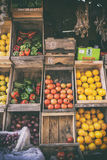 市场店面和产物立场 库存照片