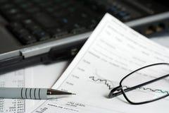 市场报告股票 库存图片