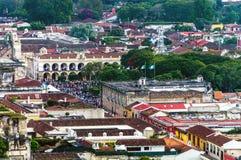 市安提瓜岛,危地马拉从上面 免版税库存照片