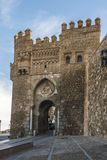 市托莱多和太阳Sol它的著名门有Mudejar样式的 免版税图库摄影