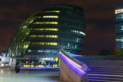 市政厅伦敦晚上 图库摄影