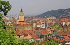 市政厅和其他大厦在布拉索夫老镇  免版税库存图片