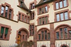 市政厅大厦的内在围场的外部在巴塞尔,瑞士 库存图片