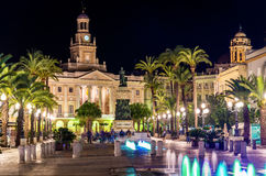 市政厅的看法在卡迪士,西班牙 免版税库存图片