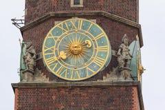 市政厅的主要塔的片段,弗罗茨瓦夫,波兰 库存图片