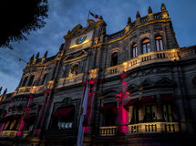 市政宫殿在晚上-普埃布拉,墨西哥 库存照片