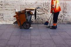 市政府工作人员-城市街道清洁和洗涤物  库存图片