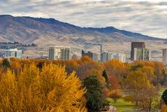 市有秋天颜色的博伊西爱达荷 免版税库存图片