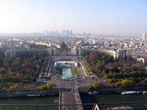 市的全景从艾菲尔铁塔法国的顶端巴黎 库存图片