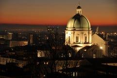 市的全景有太阳的光的布雷西亚 库存图片