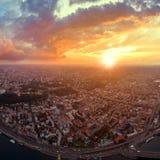 市的大全景Podol的基辅在日落 免版税图库摄影