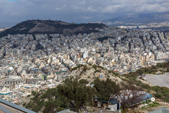 市的惊人的全景从Lycabettus小山,希腊的雅典 免版税库存图片