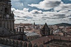 市的看法从屋顶的孔波斯特拉的圣地牙哥它 库存照片
