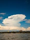 市的看法有湖的Kisumu  免版税库存图片