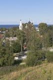 市的看法从Belozersky克里姆林宫的地球轴的Belozersk在沃洛格达州地区 免版税库存图片