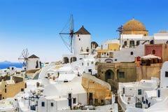 市的看法Oia 海岛oia santorini 库存照片