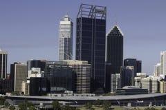 市的财政区域的看法、办公室和商业大厦和摩天大楼珀斯 免版税库存照片