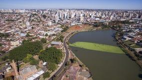 市的鸟瞰图佐尾Jose do里约Preto在圣保罗 免版税库存图片