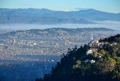 市的鸟瞰图波哥大 免版税库存照片