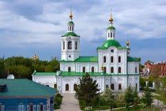 市的Vosnisensko-Georgievsky寺庙秋明州 免版税库存照片