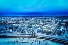 市蓝色鸟瞰图坦佩雷,芬兰,在冬天 免版税库存图片