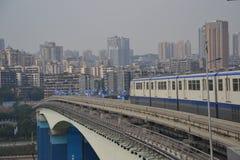 市郊火车在Chongquin,中国 免版税库存照片