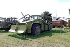 市陶里亚蒂 博物馆的展览管子冶金公司2沟槽汽车在MAZ-538基地的 免版税库存照片