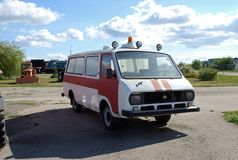 市陶里亚蒂 K技术博物馆  g sakharov 博物馆皇家空军2203汽车苏维埃救护车的展览 库存图片