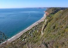 布兰斯科姆海滩看法在峭壁步行的从啤酒在德文郡,英国 免版税图库摄影