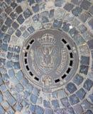 布加勒斯特下水道在老市中心 库存照片